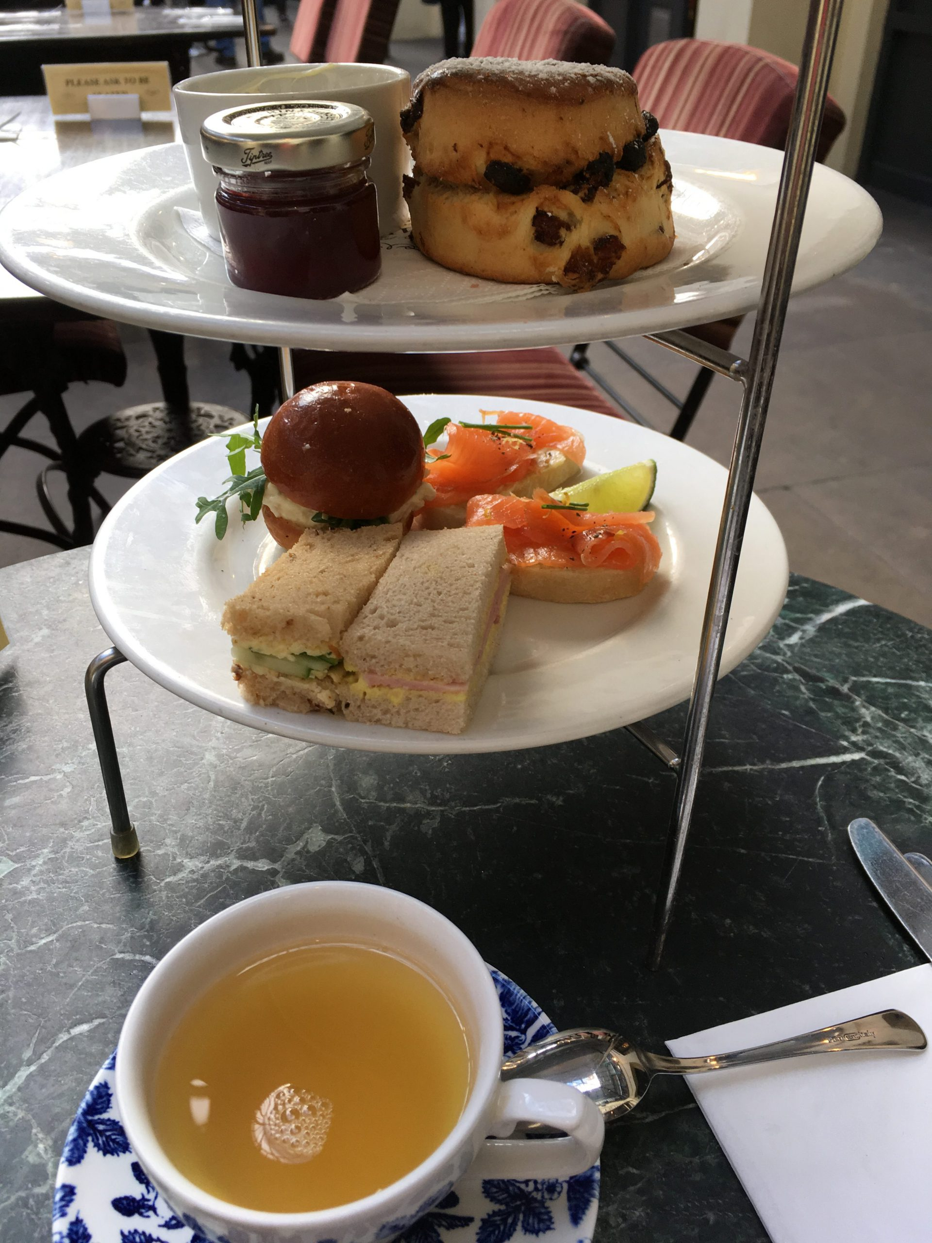 CrustingPipe_AfternoonTea_CupofTea_London_TeaVoyages