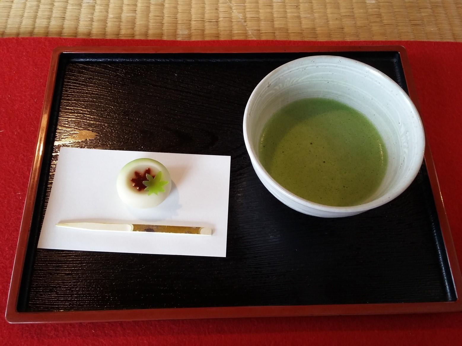Tokyo_Hamarikyu_Matcha_Mochi_TeaVoyages