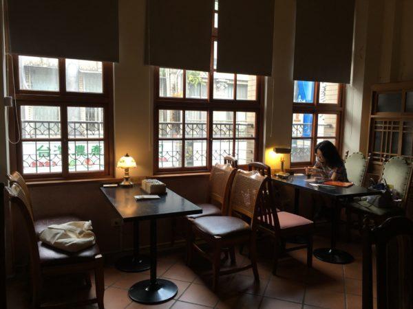 TeaVoyages_Taipei_South_Street_Delight_Interior