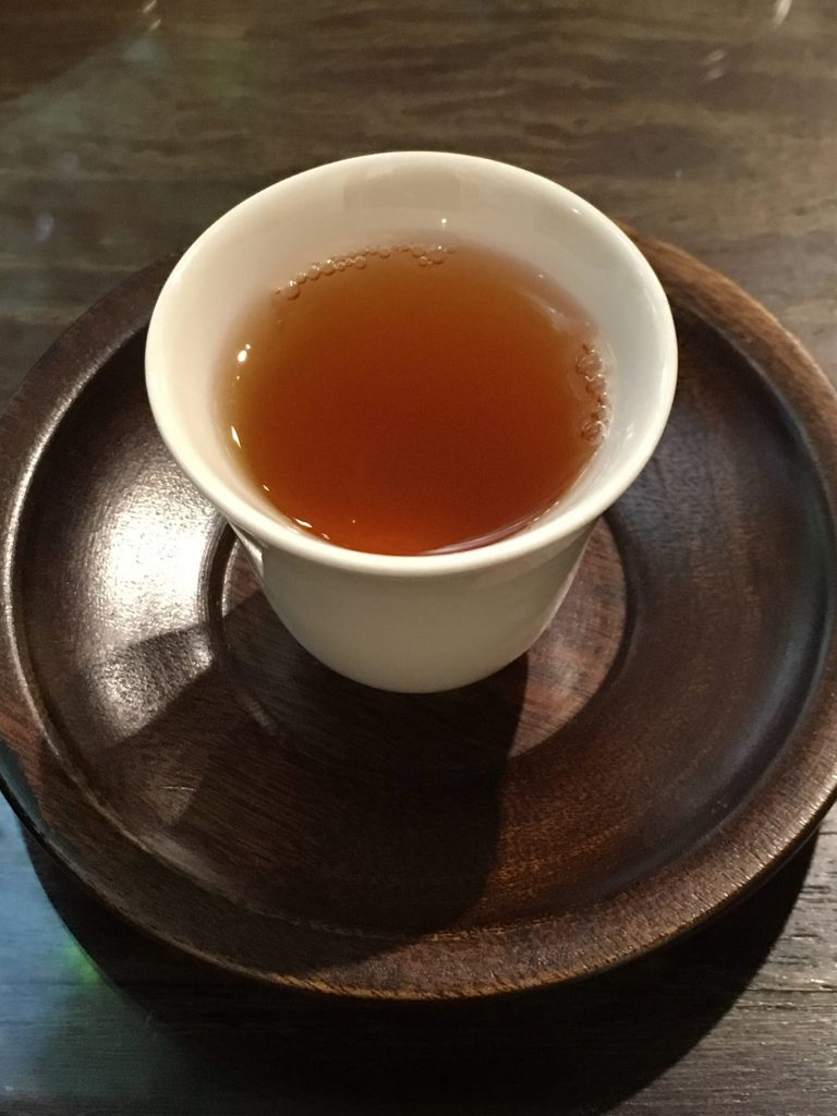 Qingtian_TeaHouse_Honey_Oolong_TeaVoyages