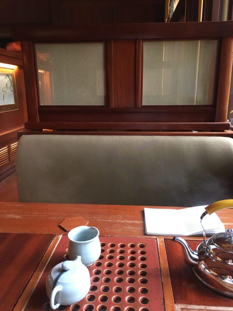 Hongkong_SongChaXie_PineTeahouse_Table_TeaVoyages
