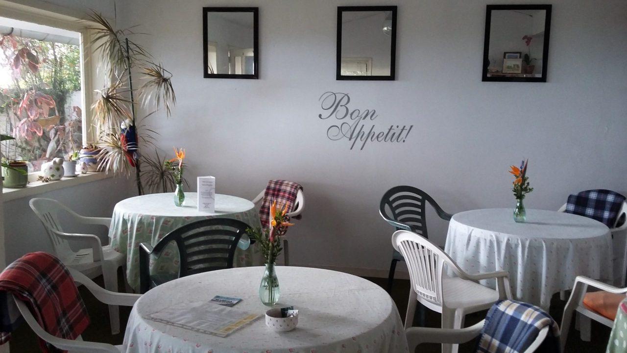 Interior_Salon_Madeira_Jasmin_TeaHouse_TeaVoyages