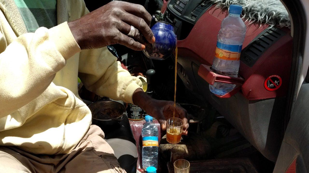 Thé_au_Sahara_Mauritanie_Preparation