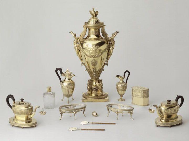 Napoléon Bonaparte : deux impératrices, deux services à thé